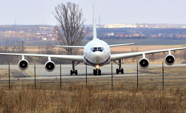 Venäjän presidentti vieraili koneineen helmikuussa Budapestissa, Unkarissa.