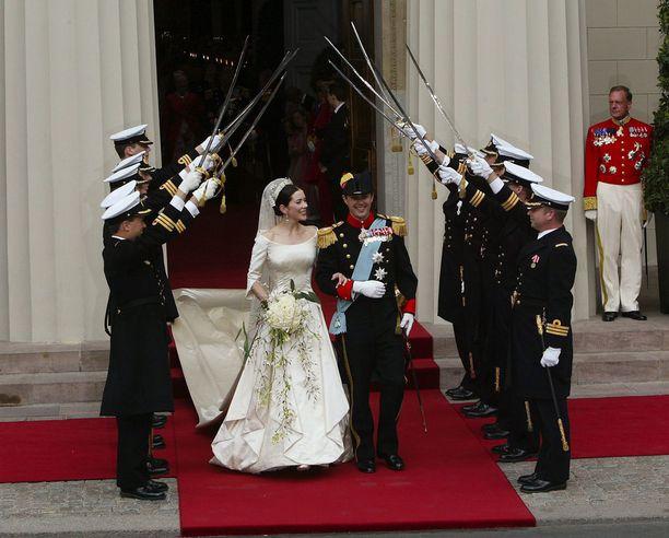 Tanskassa juhlittiin prinsessa Maryn ja prinssi Frederikin häitä vuonna 2004.