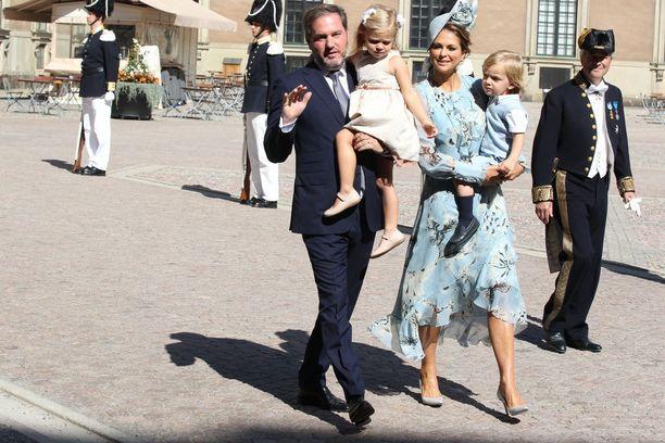 Paikalle saapui myös prinsessa Madeleine perheineen.