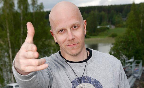 Toni Wirtasesta tulee isä tänä kesänä.
