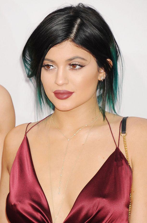 Kylie Jenner kertoi vasta haastattelussa olevansa kyllästynyt siihen, että hänen huulistaan puhutaan koko ajan.