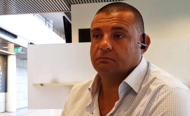 Turun puukotuksissa loukkaantunut Hassan Zubier on tuomioon tyytyväinen.