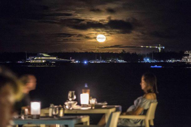 Saarten resorteissa on tasokkaita ravintoloita.