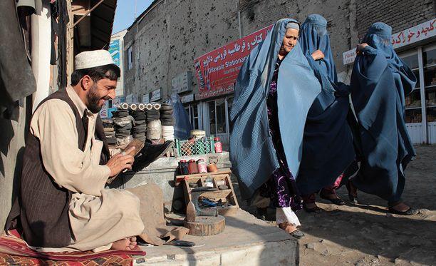 Afganistanilaiset pääsevät täysin ilman rajoituksia kolmeen maahan.