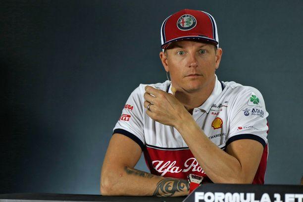 Kimi Räikkönen puhui medialle Yas Marinan lehdistötilaisuudessa.