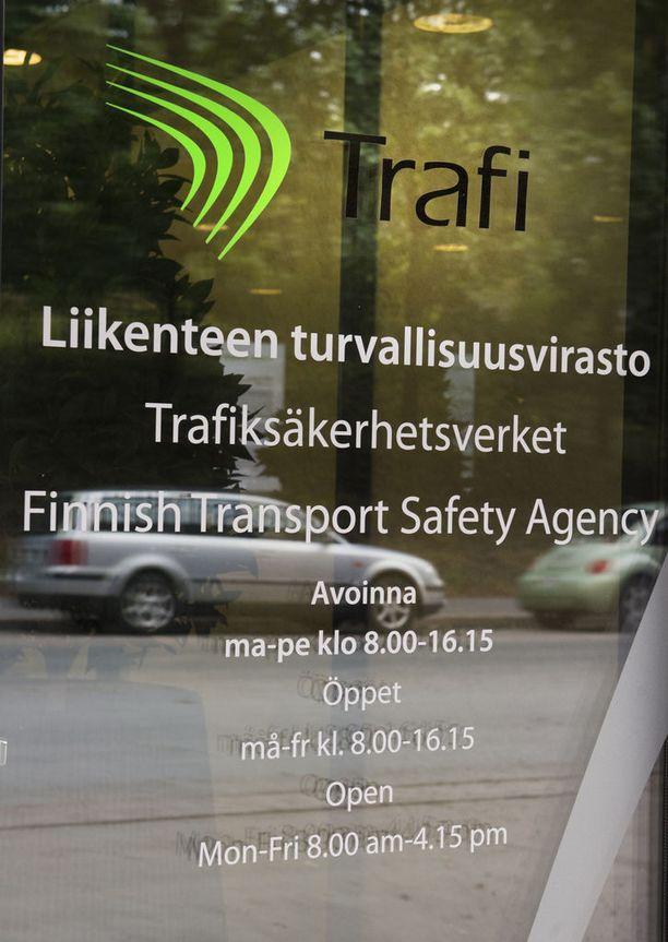 Trafin tietojohtaja Juha Kenraali vakuuttaa, että Trafi pyrkii kaikin keinoin estämään mustien laatikkojen väärinkäytöksiä ja mahdollisesti siihen liittyvää rikollista toimintaa.