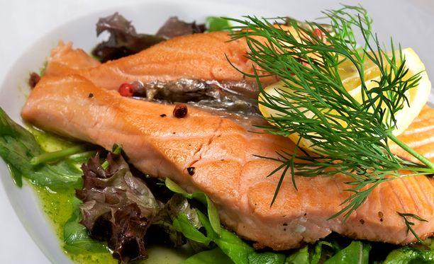 Moni voisi helposti pienentää sydänriskejään lisäämällä kalan syömistä.