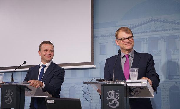 Juha Sipilän (kesk) ja Petteri Orpon (kok) johtama hallitus haluaa vauhdittaa työllistymistä.