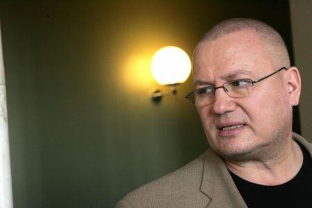 1963–2010 Entinen kansanedustaja ja nyrkkeilijä Tony Viikinki Halme on poissa.