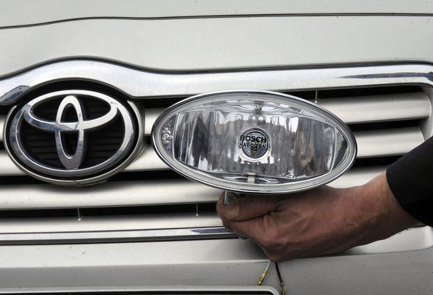 Ensi maanantaina auton keulalle voi virittää yhden ylimääräisen lisävalon kunhan vain valojen kokonaisteho pysyy sallituissa rajoissa.