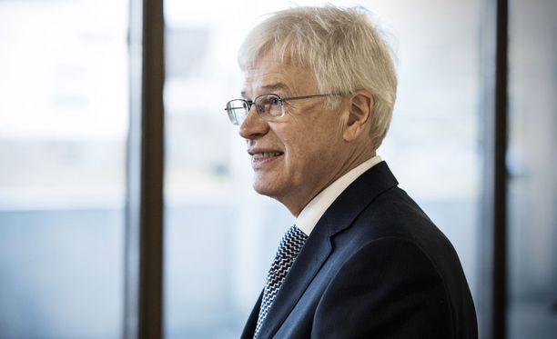 Talous-Nobelin voittanut Bengt Holmström on yksi Ekonomistikoneen asiantuntijoista.