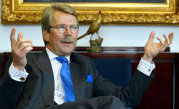 Suorasukainen Björn Wahlroos herättää kummastusta Pohjoismaissa.