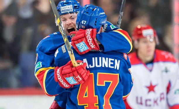 Tommi Huhtala ja Ville Lajunen pysyvät jokerinutussa.
