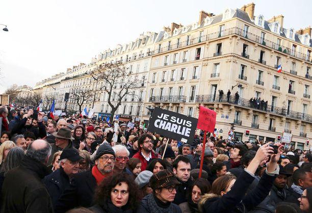 Yli miljoona ihmistä marssi eilen Pariisissa terrorismia vastaan.