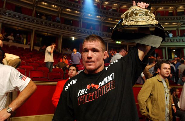 Matt Hughes voitti välisarjan MM-tittelin kahdesti UFC-uransa aikana. Kuva vuodelta 2002.