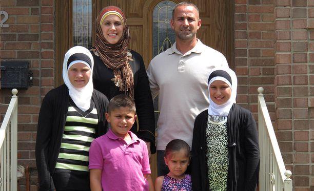 Zabanit ovat yksi sarjassa mukana olevista perheistä.
