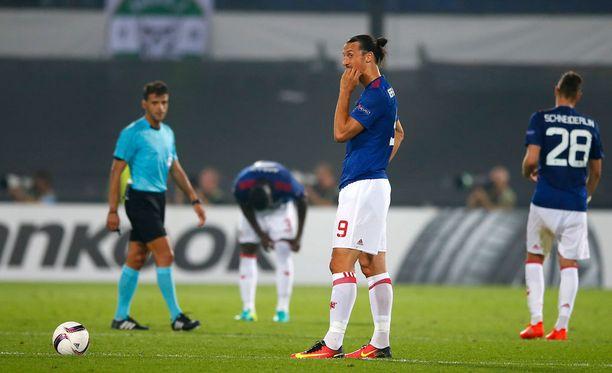 Zlatankaan ei kyennyt pelastamaan ManUa nöyryyttävältä Feyenoord-tappiolta.