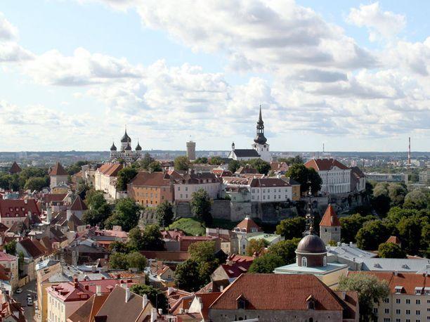 Toompean kukkulalta on hienot näkymät yli Tallinnan.