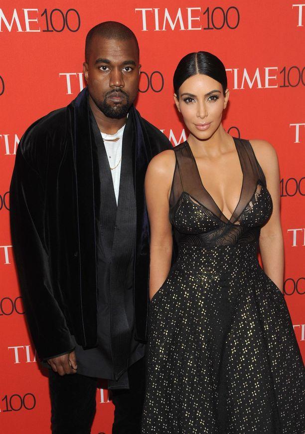 Kanye Westin ja Kim Kardashian Westin avioliitto ei voi hyvin.