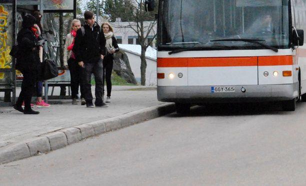 Julkisen liikenteen käyttäminen kannattaa monestakin syystä.