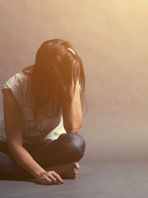 Ahdistuneisuushäiriöitä voidaan hoitaa monella tavalla, esimerkiksi psykoterapian avulla.