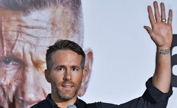Ryan Reynolds aikoo päihittää Paddingtonin.