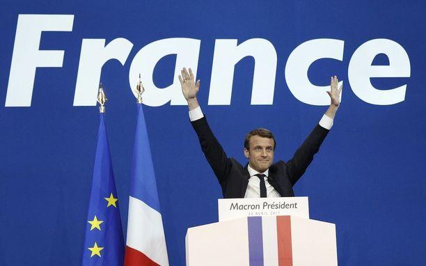 En Marche -puolueen Emmanuel Macronista ennustetaan tulevaa presidenttiä, mutta ranskalaismediat suhtautuvat vielä varovaisesti ennusteisiin. Kahden viikon kampanjoinnin aikana ehtii tapahtua vielä useita käänteitä.