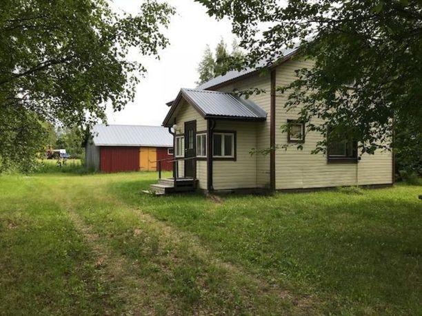 Muhoksella sijaitsevassa talossa on tupakeittiö, makuuhuone, pesuhuone ja sauna. Tilaa on 58 neliötä ja pyyntihinnaksi on asetettu 45 000 euroa.