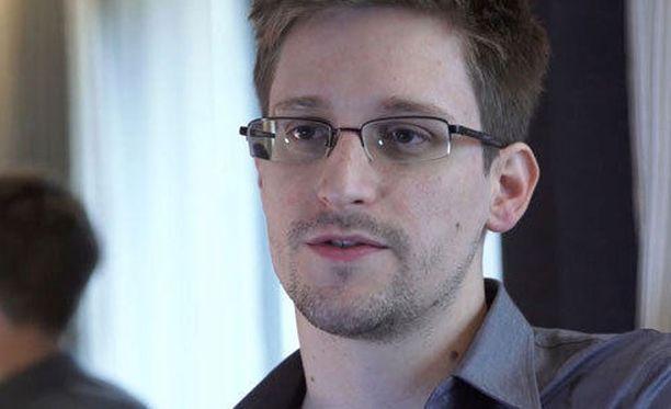 Yhdysvallat syyttää Snowdenia muun muassa vakoilusta.