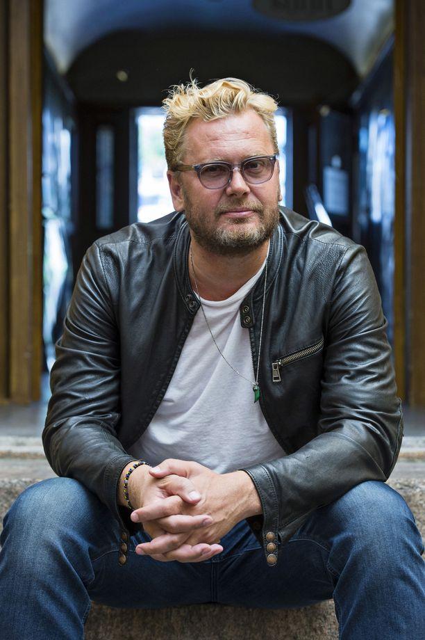 Ohjaaja Antti J. Jokinen muistetaan muun muassa elokuvista Puhdistus, Kätilö ja The Resident.