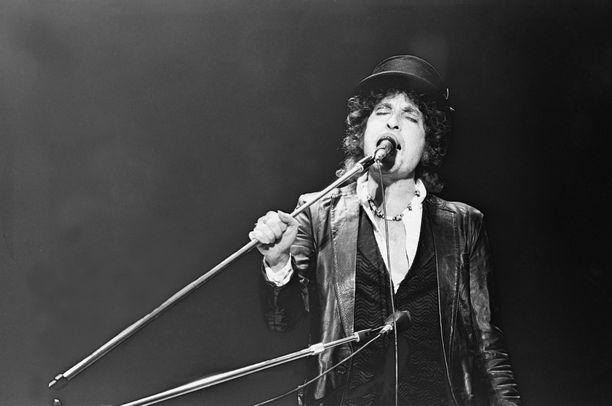 Amerikkalaismuusikko Bob Dylan vastaanotti Nobel-palkinnon Tukholmassa vuonna 2017.