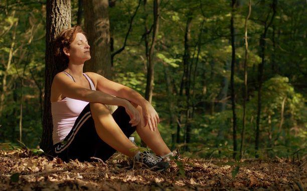 Luonnonympäristö parantaa mielialaa ja tehoaa siihen paremmin kuin rakennettu puisto.