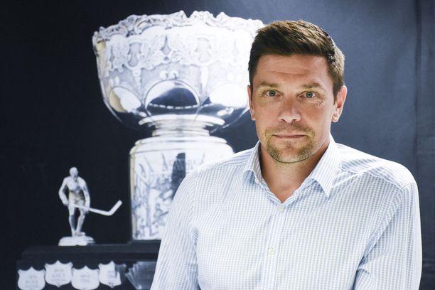 SM-liigan toimitusjohtaja Riku Kallioniemi toivoo suomalaisjoukkueen voittavan tällä kaudella CHL:n.