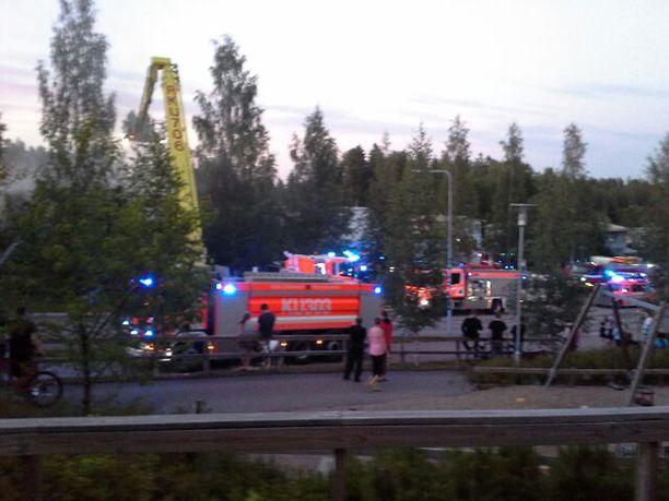 Tulipalon sytyttämistä edelsi kiista, jonka aikana nainen pahoinpiteli miestään ja kolmivuotiasta lastaan.