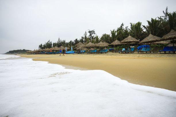 Rannat eivät vielä ole tupaten täynnä turisteja, sillä Vietnam on kasvava matkakohde.