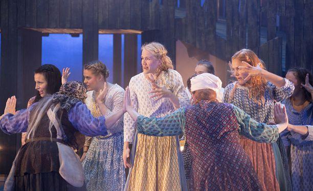 Tampereen työväen teatterin Viulunsoittaja katolla -musikaalin näytös keskeytyi lauantai-iltana näyttelijän sairauskohtauksen vuoksi.