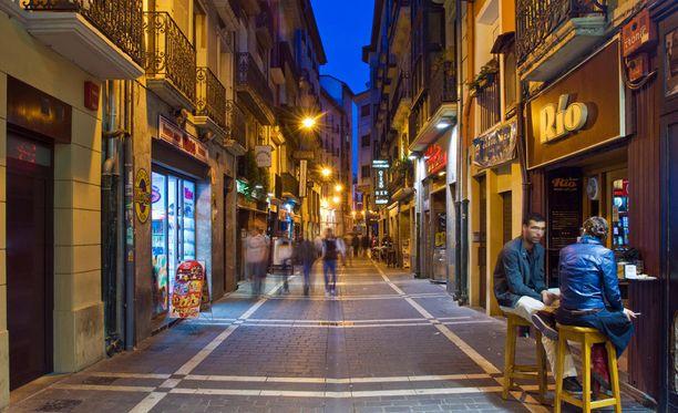 Pamplonassa halutaan kaduille pissaaminen kuriin.