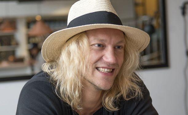 Jukka Hilden tuli tunnetuksi Duudsonit-ryhmän kautta.