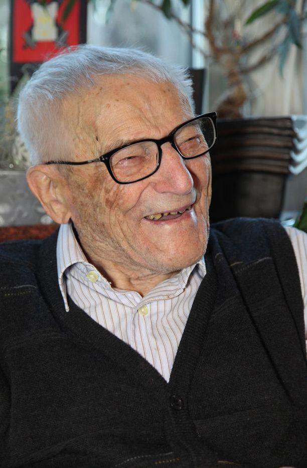 Hynönen antoi Iltalehdelle haastattelun 102-vuotissyntymäpäivänsä kynnyksellä.