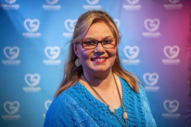 Tältä Nina Mikkonen näyttää nyt.