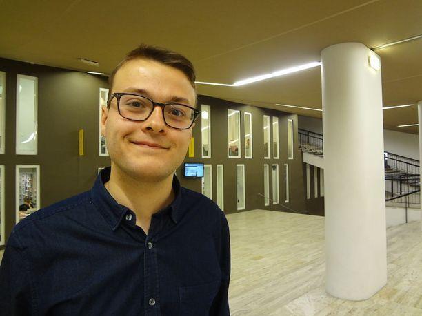 Rochard Louis-Marien, 21, mukaan hänen täytyy katolilaisuutensa vuoksi äänestää Le Peniä.