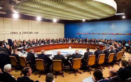Nato koolle hätäkokoukseen Lähi-idän tilanteen vuoksi – Isisin vastainen operaatio vaarassa