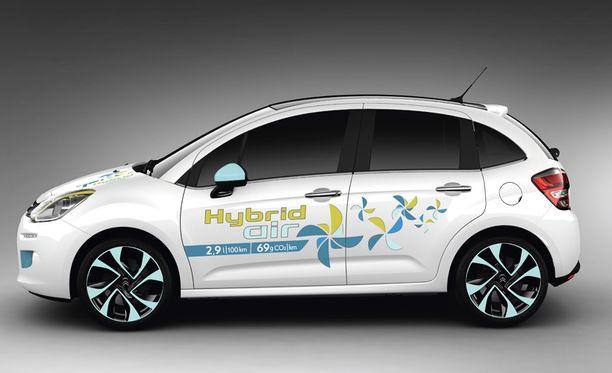 Kulutus jää alhaisimmillaan jopa 2,9 litraan sadalla. Kuvassa Citroënin versio C3 Hybrid Air.