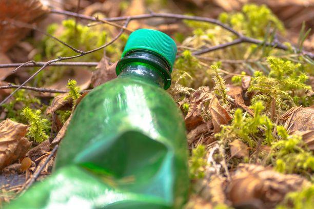 Muovi on ympäristölle kuormittava materiaali, mutta kierrättämällä sitä voi hyödyntää useita syklejä.