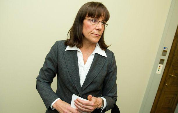 Pirkko Ruohonen-Lerner joutuu väistymään ryhmänjohtajan paikalta.
