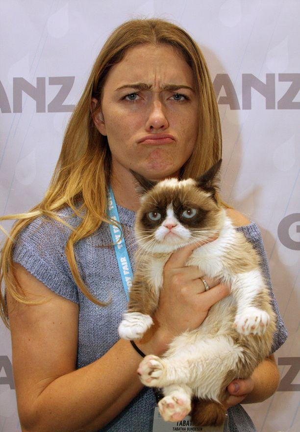 Nettisensaatio Grumpy Cat sai omistajansa Tabatha Bundesenin lopettamaan päivätyönsä, mutta tienestit eivät olekaan aivan niin hurjia kuin brittilehti väitti.