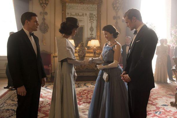 Kuningatar Elisabet ja prinssi Filip tapaavat The Crownin toisella tuotantokaudella Kennedyt.