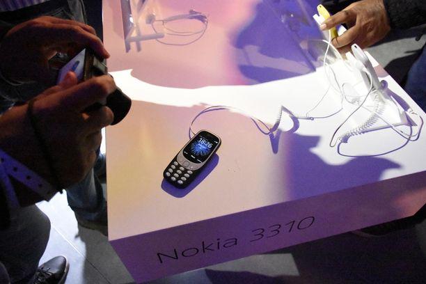 Uudessa 3310-mallissa on värinäyttö.