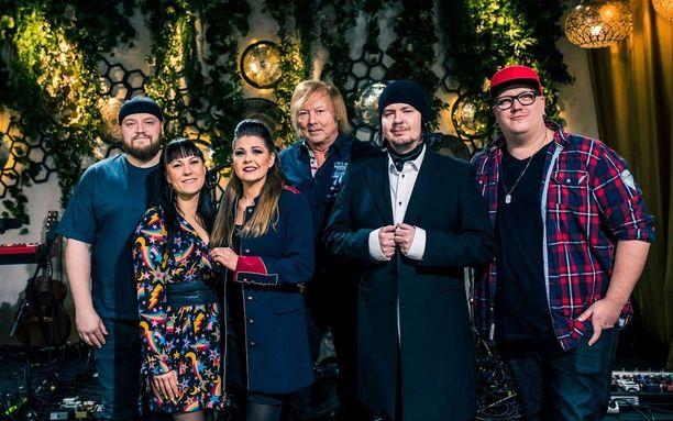 Kahdeksannen tuotantokauden laulajat tapaavat lehdistön edustajia tänään tiistaina Helsingissä.