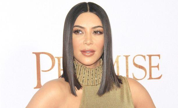 Kim Kardashian-West joutui äskettäin varpaankynsi-gaten kouriin.